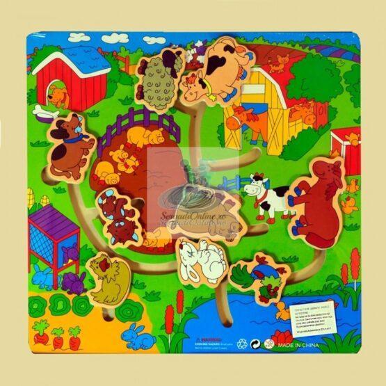 Puzzle labirint animale mancare